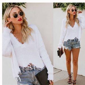 Skylar + Madison White Distressed Fringe Sweater M